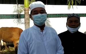 Pengurus Masjid Agung Nurul Yaqin Kuala Pembuang Terima Sapi Kurban H Abdul Rasyid AS