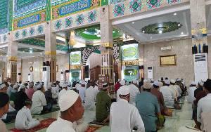 Protokol Kesehatan Diterapkan saat Salat Idul Adha di Masjid Nurul Islam Palangka Raya
