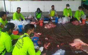 Video Pemotongan Sapi Kurban H Abdul Rasyd AS di Masjid Raya Darussalam Palangka Raya