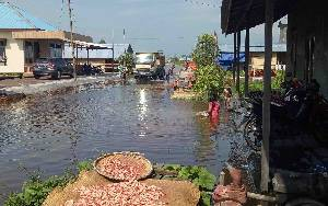 Dinas PUPR Perkim Sukamara Diminta Pantau Jalan Rusak Akibat Banjir