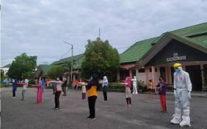 Melihat Pasien Covid-19 di Asrama Haji Rutin Olahraga
