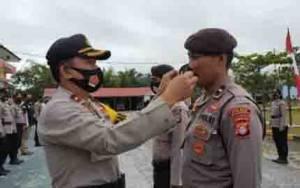 Pembagian Masker Berlogo TNI Polri di Katingan Sebagai Wujud Sinergitas