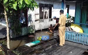 Bupati Sukamara Harapkan Masyarakat Jaga Kebersihan