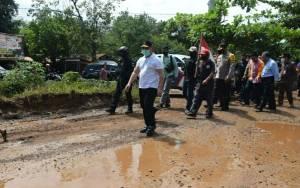 Gubernur Kalteng Tinjau Ruas Jalan Eks Pertamina di Bartim