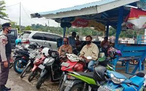 Patroli Dialogis Satsabhara Polres Barito Utara Sasar Tukang Ojek hingga Satpam Bank