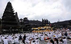 Menteri PUPR: Kawasan Pura Besakih Bali Ditata pada 2021, Total Biaya Rp 1 T