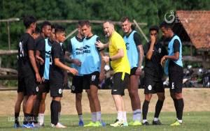 Hasil Pertemuan Manajer Liga 1 Legakan PSS Sleman Ikuti Laga Lanjutan