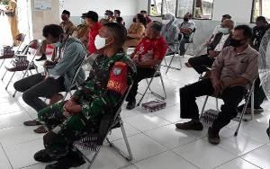 Babinsa Pahandut Seberang Dampingi Legislator Dapil III Serap Aspirasi Warga