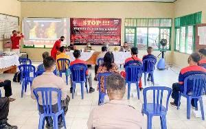Lurah Menteng Bersama Petugas Damkar Edukasi Warga dan Mahasiswa Cegah Karhutla