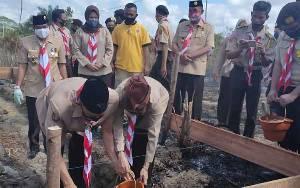 Kwarcab Sukamara Lakukan Peletakan Batu Pertama Pembangunan Sanggar Pramuka