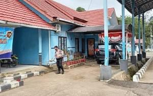 Polsek Benua Lima Semprot Disinfektan Jembatan Timbang