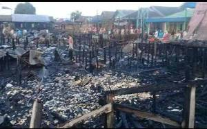 Kebakaran di Desa Lehai Hanguskan 11 Rumah dan 1 Bangunan Sarang Walet