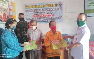 Ratusan Warga Terdampak Covid-19 di Desa Tuyun Gunung Mas Sudah Terima BLT DD Tahap III