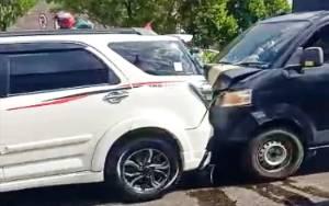 4 Mobil Terlibat Tabrakan Beruntun di Palangka Raya