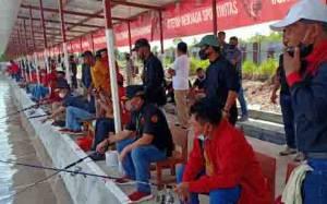 Gubernur Kalteng Meriahkan Lomba Mancing HUT ke 75 Kemerdekaan RI Bersama PDIP