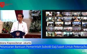 Jokowi Serahkan BSU Kepada Pekerja Peserta BPJAMSOSTEK Hari ini!