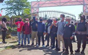 Aksi Damai di DPRD, Pendemo Minta Copot Bupati Barito Timur