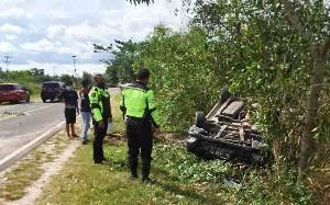 Mobil Innova Terbalik di Jalan Tjilik Riwut Km 21 Palangka Raya