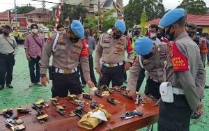 Tingkatkan Disiplin Personel, Bidpropam Polda Kalteng Periksa Senpi Anggota Polres Kobar