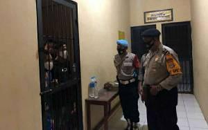 Polres Kapuas Cek Ruang Tahanan Pastikan Aman dan Steril