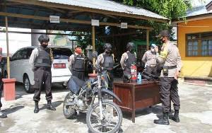 Kabag Ops Polres Kapuas Cek Kesiapan Personel Pengamanan di Kantor KPU