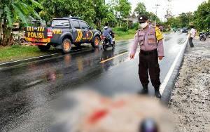 Polsek Bukit Batu Evakuasi Korban Kecelakaan di Jalan Tjilik Riwut Km 34