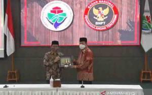 Kemendes PDTT - BNPT Tandatangani MoU Penanggulangan Terorisme di desa