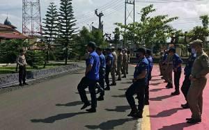 Satbinmas Polres Kapuas Berikan Materi Latihan Dalmas kepada Anggota Satpol PP