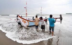 Ini Kronologi Polisi Tangkap 7 Nelayan Makassar yang Tolak Penambangan Pasir