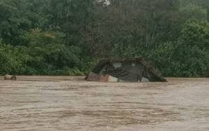 Rumah Warga ini Hanyut Diterjang Banjir di Tumbang Sanamang Katingan