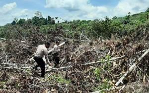 Personel Polsek Kapuas Hulu Lakukan Patroli Cek Daerah Rawan Karhutla