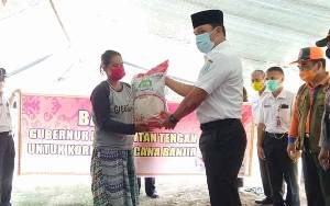 Bupati Lamandau Salurkan Bantuan Sembako dari Gubernur Kalteng kepada Korban Banjir