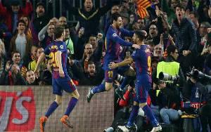 Lionel Messi Berusaha Yakinkan Luis Suarez untuk Tetap Bertahan di Barcelona