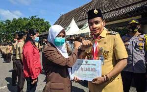 Pemkab Kotim Salurkan Rp 467.750.000 untuk Beasiswa Gerbang Mentaya