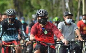Gubernur Kalteng Gowes Bersama Warga untuk Jaga Kesehatan dan Pererat Silaturahmi
