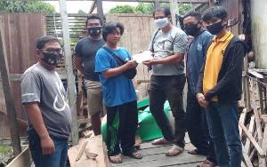 Rumah Warga Kapuas Hulu Roboh Diterjang Banjir