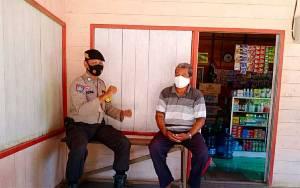 Personel Polsek Mantangai Ingatkan Warga Taati Protokol Kesehatan