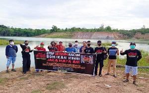 Peduli Lingkungan, Komunitas di Barito Timur Tabur Ikan di Danau eks Tambang