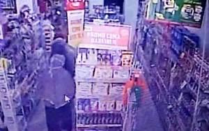 5 Wanita Diduga Mencuri di Alfamart Palangka Raya Terekam CCTV