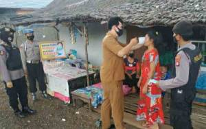 Polsek Kapuas Timur Beri Pemahaman Warga Pentingnya Gunakan Masker