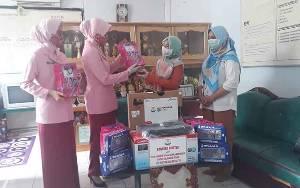 TK Kemala Bhayangkari Kotawaringin Barat Terima Bantuan dari Ketua PYKB Kalteng
