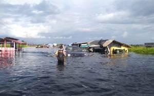 Jalur Pangkalan Bun - Kotawaringin Lama Tergenang Banjir Sepanjang 12 Kilometer