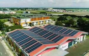 720 Panel Surya Hiasi Atap Gedung Bandara Soetta Mulai 1 Oktober 2020