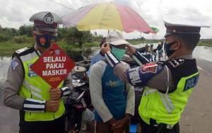 Pengemudi Kelotok di Lokasi Banjir Diminta Tetap Menaati 3M