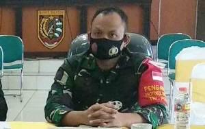 Satgas TMMD 109 Bagikan Masker di Desa Sibung