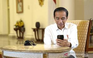 Presiden Berbincang dengan Dokter Paru-paru Soal Penanganan COVID-19