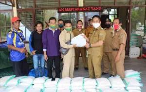 2.047 KK Terdampak Banjir di Kamipang Katingan Dapat Bantuan Sembako