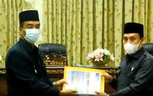 Wakil Bupati Barito Utara Serahkan Dokumen KUA PPAS APBD 2021