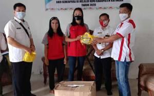 KONI Bersama Disporbudpar Katingan  Salurkan 458 Paket APD Bagi Atlet
