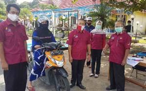 941 KPM Sukamara Terima Bantuan Beras Dari Kementerian Sosial